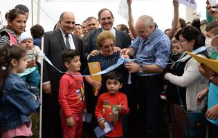 """Alperovich: """"Entregar viviendas es el resultado de 12 años de gestión que tuvo como prioridad dignificar la vida de los tucumanos"""""""