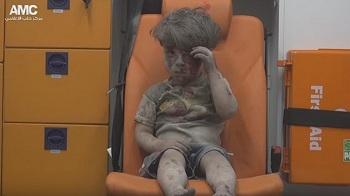 Siria: la imagen del pequeño Omran refleja la crueldad de la guerra en Alepo