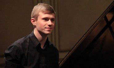 El Dairio de Tucuman | Un joven ucraniano gano el máximo premio en el Concurso Internacional de Piano