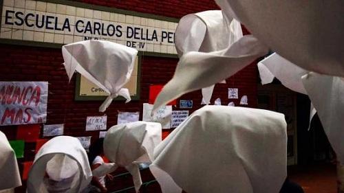 Separan de su cargo a maestras y directora de escuela por reivindicar el terrorismo de Estado en Buenos Aires
