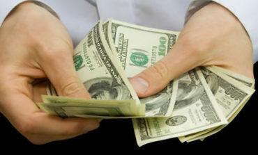 El Banco Central vendió una cifra récord en reservas para frenar el dólar