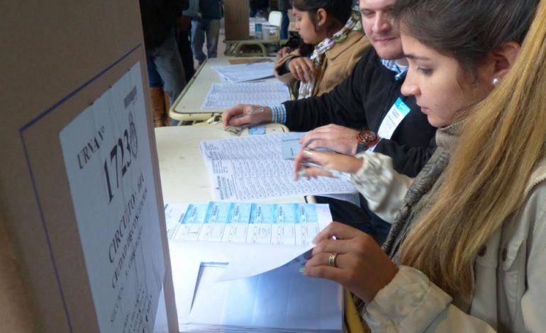 Una encuesta sobre posibles candidatos a gobernador sacudió las redes