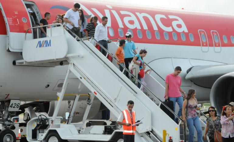Denuncian cierre de rutas, vaciamiento y potenciales despidos en Avianca