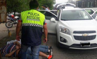 Dos hombres que robaban autos de alta gama fueron detenidos