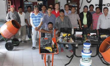 Cooperativistas de Amaicha recibieron ayuda para nuevos emprendimientos