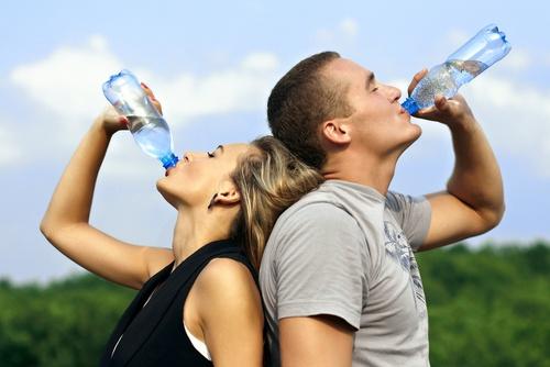 Consumir agua segura ayuda a prevenir enfermedades