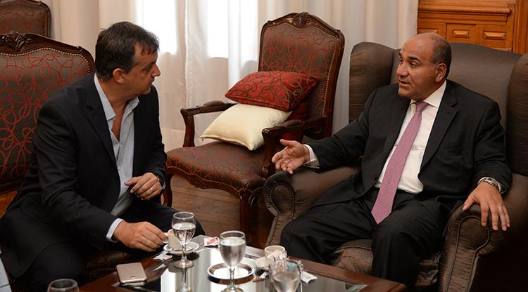 Manzur recibió al presidente de la DAIA Tucumán