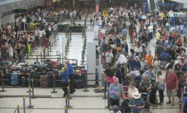 La salida de turistas al exterior aumentó 20% y alcanzó la marca más alta desde 2015