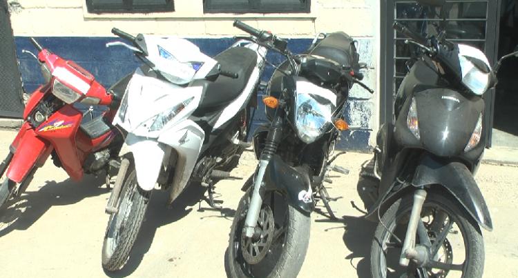 Operativos: Recuperan 12 motocicletas robadas