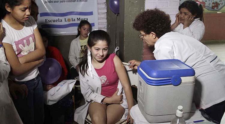 Vacunaron contra el VPH a niños y niñas de 11 años