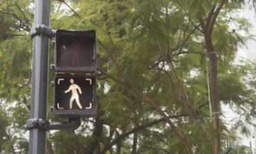 Pintan de gris los semáforos de San Miguel de Tucumán
