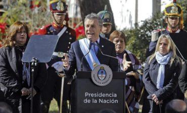 Macri reconoció errores pero ratificó el rumbo económico