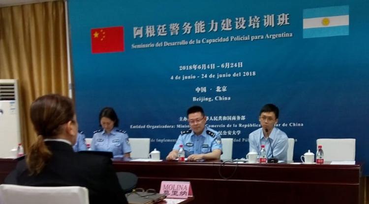 Capacitan a la Polícia de Tucumán en China