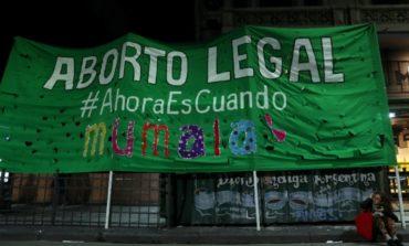 Aborto legal: Cuatro claves que explican por qué se impuso el rechazo a la nueva ley