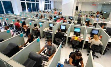 Paro en un call center tras el despido de 17 empleados