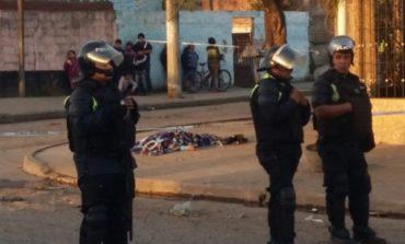 """Asesinaron a una mujer en una esquina de """"La Bombilla"""""""