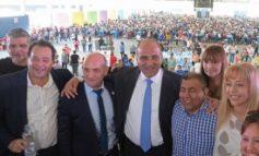 El Gobernador saludó a los trabajadores de la sanidad en su día