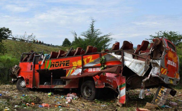 Terrible vuelco de micro en Kenia: murieron casi todos los ocupantes