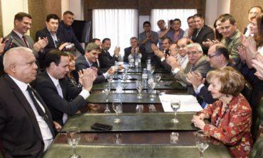 El Consejo Provincial del PJ impone por unanimidad a Manzur y desplaza de la presidencia a Beatriz Alperovich