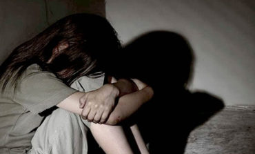 Detienen a dos sujetos acusados de abusar de una menor de 15 años