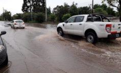 Intensas lluvias   Asisten a familias que sufrieron anegamientos en el sur