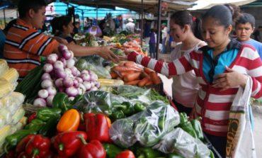 En un año, los productos de la canasta de alimentos aumentaron hasta un 123,7%
