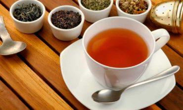 Alerta: Recomiendan no consumir una marca de té y otra de agua