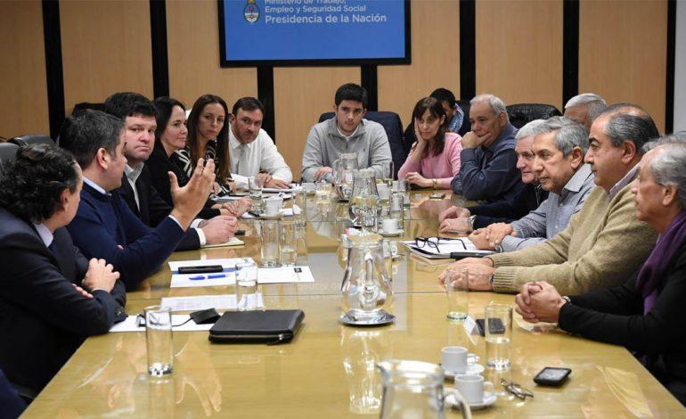 Hubo acuerdo: Nación promete el pago de un bono de fin de año