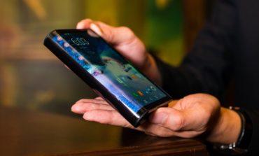 Samsung presentó su esperado smartphone de pantalla plegable