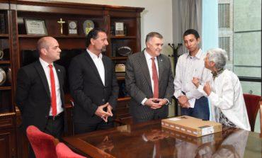 Nazareno Lazarte recibió el apoyo de la Provincia para seguir sus estudios