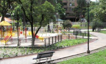 Policiales: Acoso en plena Plaza Urquiza