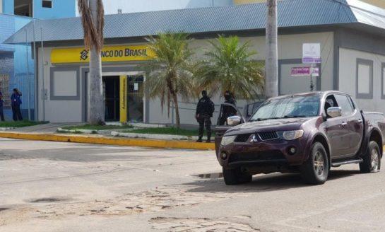 Secuestró a una familia para robar dos bancos: mató a rehenes y cómplices