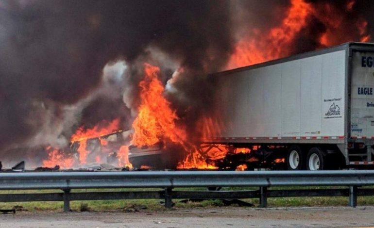 Chocó camioneta con nenes que iban a Disney: 7 muertos