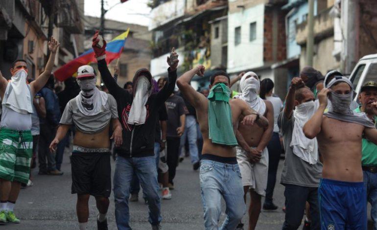 Un adolescente muerto en marcha contra el Gobierno de Nicolás Maduro