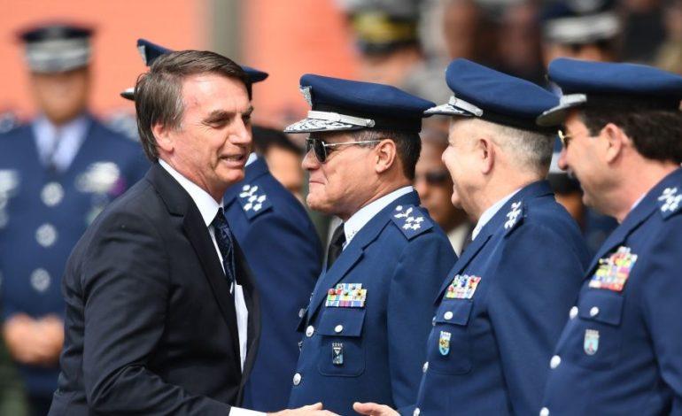 Bolsonaro tiene a la firma el decreto de legalización de armas