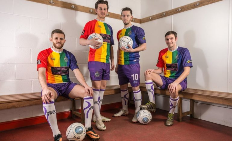 Un equipo inglés presentó una indumentaria contra la homofobia