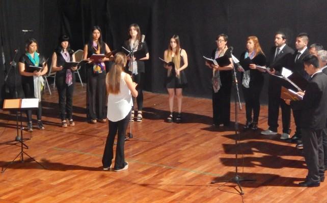 El coro de la Facultad de Medicina prueba nuevas voces