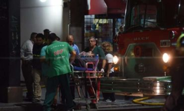 Incendio en un edificio del centro: murió la mujer que había sufrido un paro