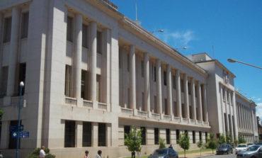 """Coimas a legisladores: Tres funcionarios y una empleada investigados por """"cajonear"""" la causa"""