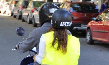 Desde mañana es obligatorio el uso del chaleco reflectivo para circular en moto