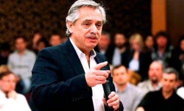 Alberto Fernández llega a la provincia en plena campaña