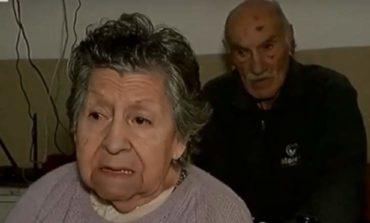 Un matrimonio de jubilados fue abandonado en un bar por uno de sus hijos