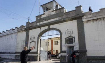 Villa Urquiza: Denuncian que un interno se resistió a vender drogas y fue abusado
