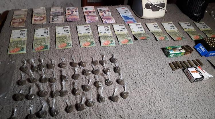 Armas, drogas y motopartes en un operativo en zona sur de la Capital