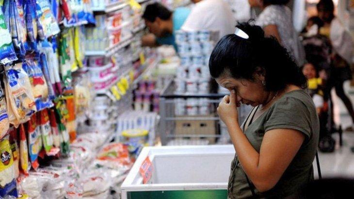 Supermercados y shoppings acumulan 11 meses de caídas en las ventas