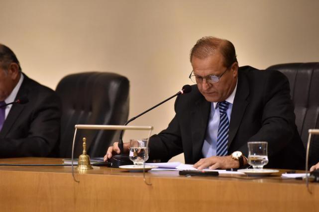 Cortalezzi pidió darle un corte definitivo al conflicto del transporte