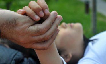 Inédito: Un menor tucumano se convirtió en el primer adoptante de sus padres
