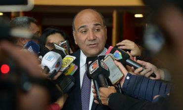 Manzur responsabilizó a la Nación por la crisis del sector sucroalcoholero