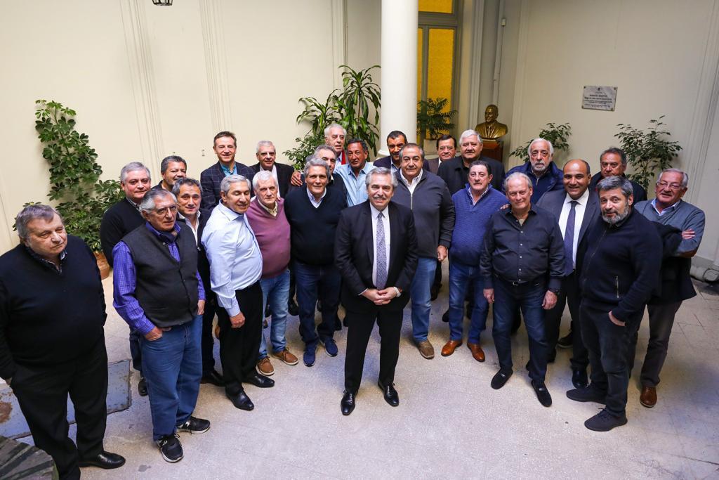 Manzur participó de la reunión entre Fernández y la CGT