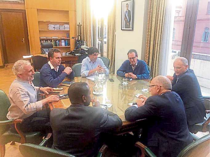 El Gobierno y el FMI se vuelven a reunir en la primera visita oficial tras las PASO